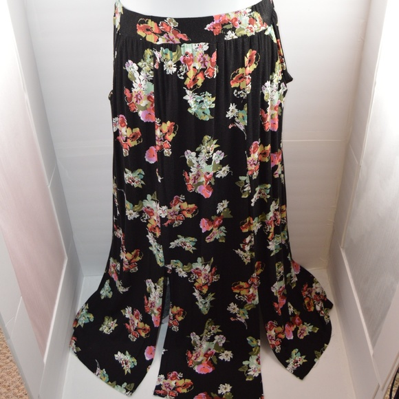 American Rag Dresses & Skirts - American Rag Long Flowy Floral Double Split Skirt